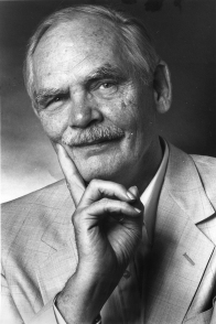 WASHINGTON, DC - SEPTEMBER 3: FILE, Science fiction author Frederik Pohl, who wrote The World at the End of Time and other books, poses for a portrait on August 12, 1987. (Photo by Bob Farley/The Washington Post)